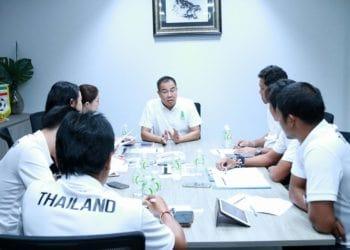 """""""บิ๊กอ๊อด"""" ชี้ทุกทีมพร้อมขวางไทยแชมป์ซีเกมส์ เตือนนักเตะต้องพร้อมที่สุด"""