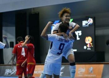 ถล่มทลาย! ฟุตซอลหญิงทีมชาติไทย ยำใหญ่ใส่ เมียนมา 10-2 คว้าชัยสองนัดติด