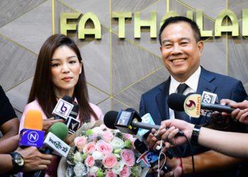 """สมยศ กล่าวขอบคุณ """"มาดามเดียร์"""" พา ทีมชาติไทย U23 คว้าแชมป์ซีเกมส์ ก่อนอำลาตำแหน่ง"""