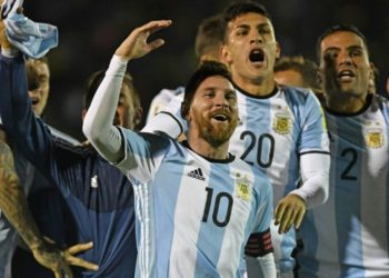 แบกทีมอย่างหนัก! เมสซี่ รัวแฮตทริค พา อาร์เจนตินา ลุยบอลโลกเฉย