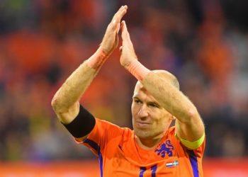 """ส่งไม้ให้คนรุ่นหลัง """"ร็อบเบน"""" เลิกเล่นทีมชาติเนเธอร์แลนด์ หลังวืดตั๋วลุยบอลโลก"""