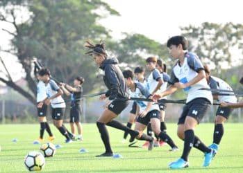 หนึ่งฤทัย นำทัพ ฟุตบอลหญิงทีมชาติไทย ลงซ้อมก่อนลุยศึกชิงแชมป์เอเชีย