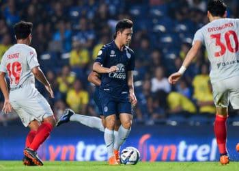 บุรีรัมย์ เฮท้ายเกมเฉือนหืด ชลบุรี 2-1